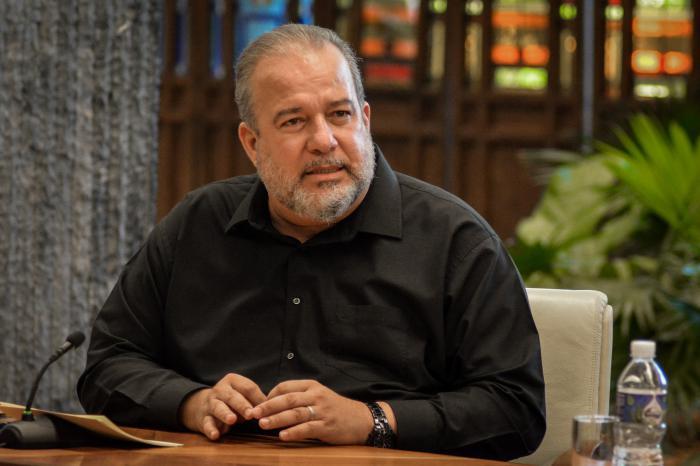 Miguel Díaz-Canel en comparecencia especial en la televisión y la radio cubanas