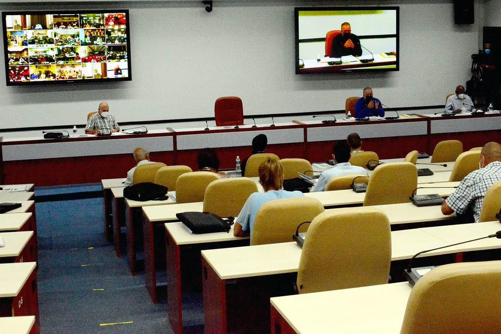 Primer Ministro Manuel Marrero Cruz durante una videoconferencia