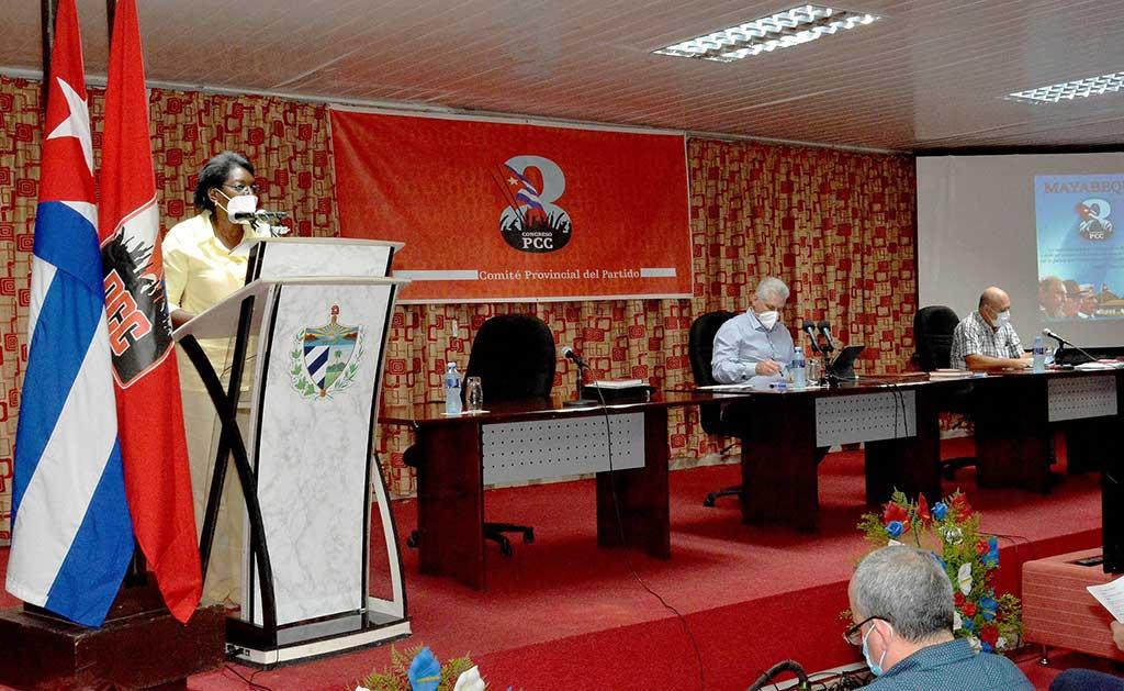En Mayabeque, provechoso intercambio sobre temas del 8vo. Congreso del PCC