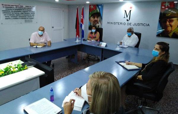 Evalúa Ministra de Comunicaciones proceso de informatización del Ministerio de Justicia