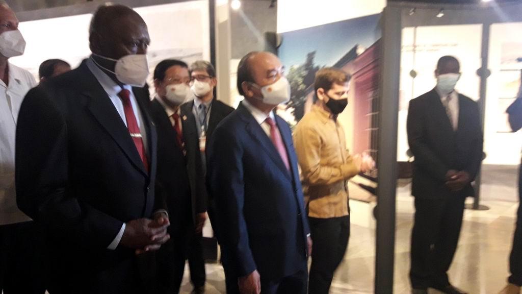 El presidente de Vietnam recorre el Memorial José Martí