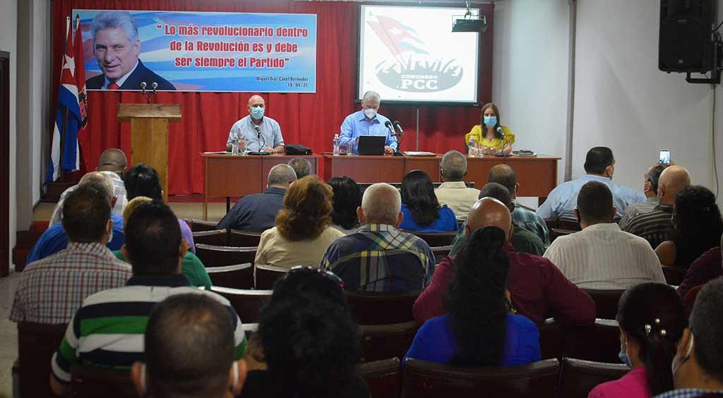 Cienfuegos: Encabeza Díaz-Canel intercambio sobre temas del 8vo. Congreso del PCC