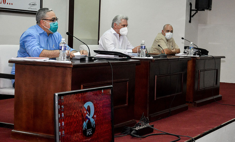 Preside Díaz-Canel intercambio sobre temas del 8vo. Congreso del PCC en La Habana