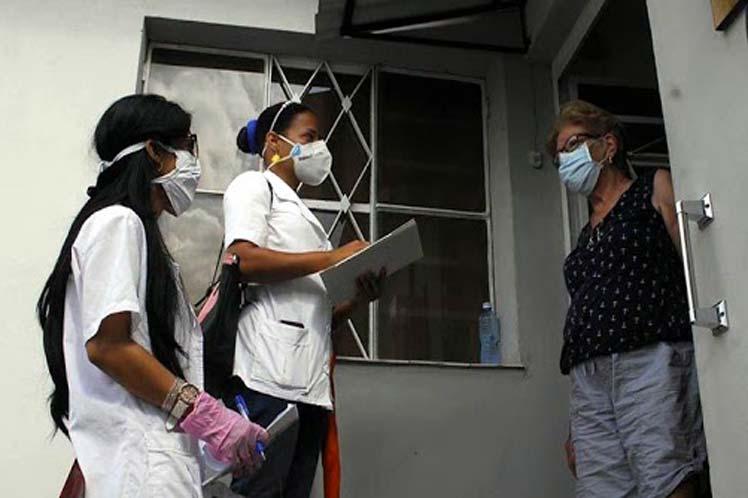 Decisivo apoyo de estudiantes y profesores de Ciencias Médicas frente a la pandemia