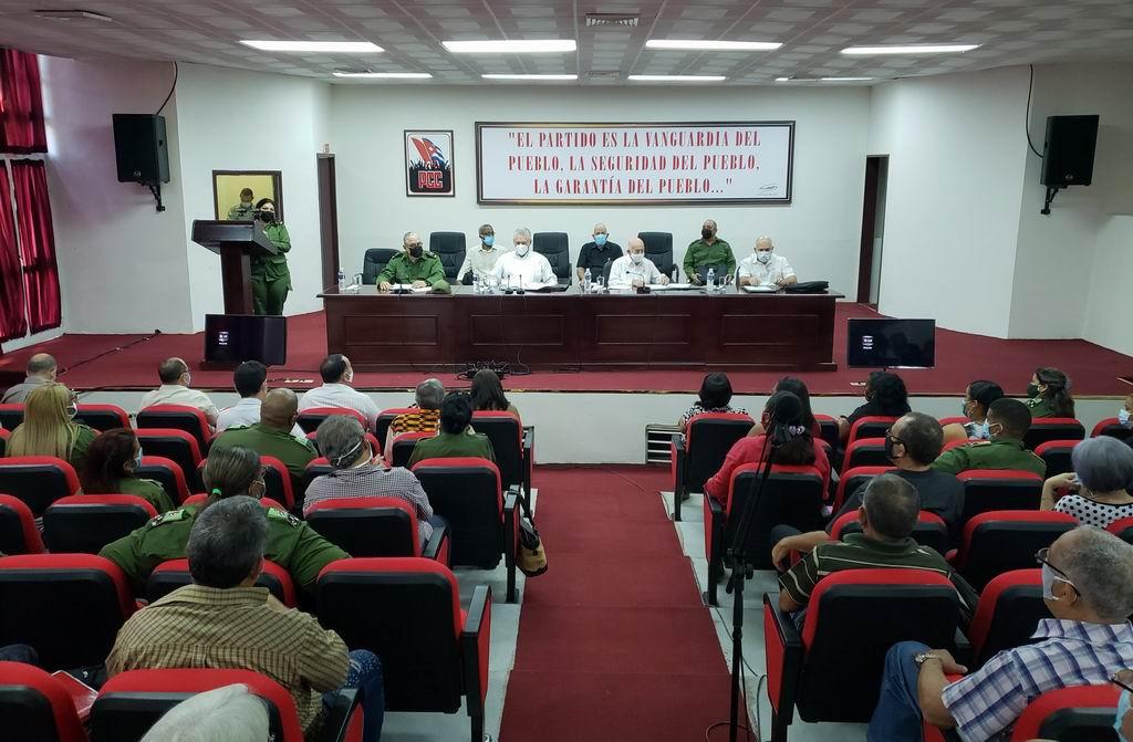 Participa Díaz-Canel en Pleno del Comité Provincial de La Habana