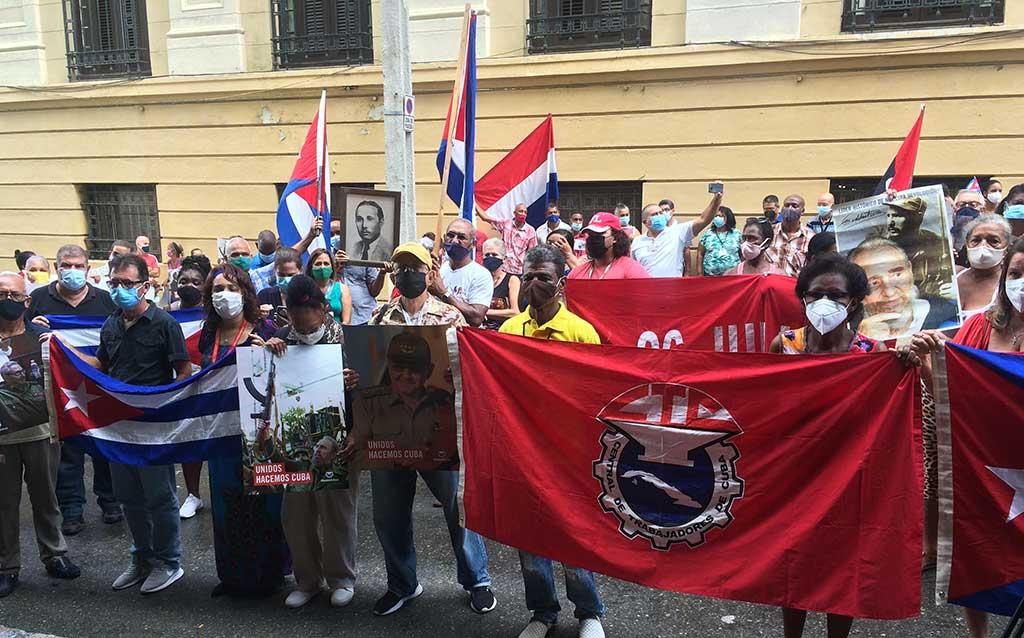 Trabajadores cubanos reafirman carácter socialista de la Revolución