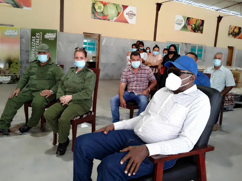 Sostiene Vicepresidente cubano encuentro con productores cienfuegueros