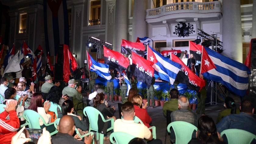 Reeditan entrada de Fidel a Cienfuegos
