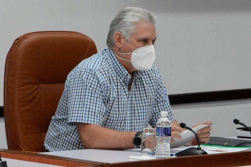 """Díaz-Canel: """"Vamos a seguir guapeando, trabajando y venciendo"""""""