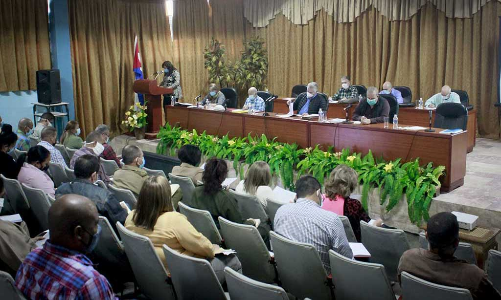 Cuban President calls for definitive unleashing of productive forces