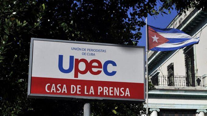 Felicita Díaz-Canel a periodistas cubanos