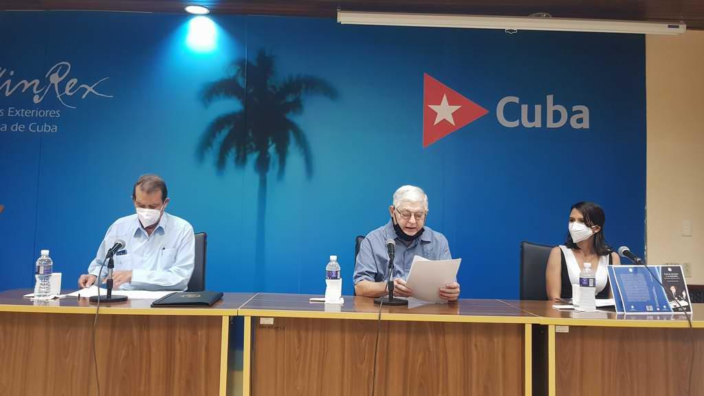 Con el escudo y la bandera, un texto para comprender la diplomacia cubana