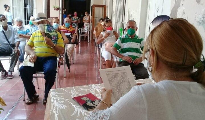 Presentan libro de poemas dedicados a Fidel