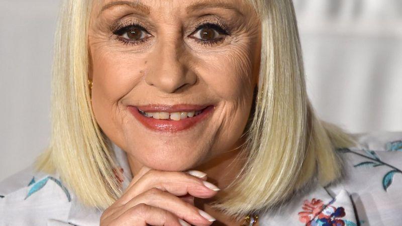 Muere la icónica artista italiana Raffaella Carrà a los 78 años