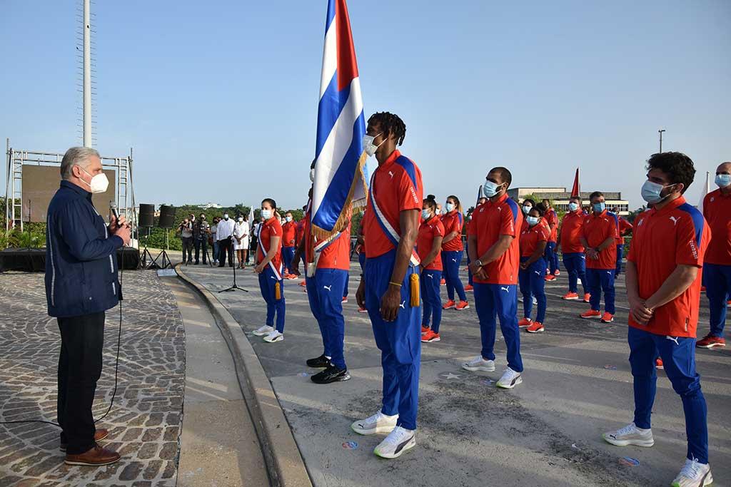 Abanderan a delegación cubana a Juegos OlímpÍcos de Tokio (+Audio y Fotos)