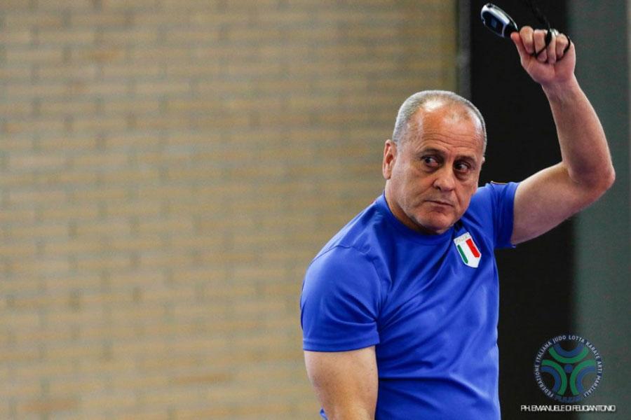Jefe del Colectivo Técnico de Lucha Libre femeninda, Filiberto Delgado.