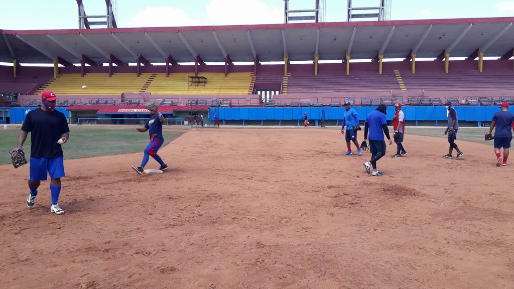 Preselección cubana entrena por estos días en el estadio Victoria de Girón de Matanzas