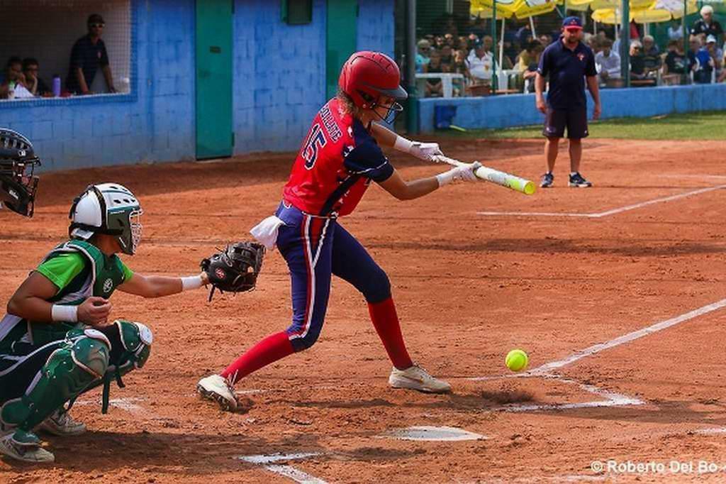 Softbolistas cubanas por recuperar el terreno perdido