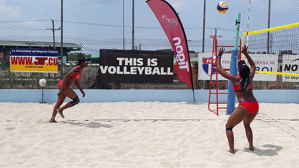Jugadoras cubanas de Voleibol de Playa viajan a Cancún (+Audio)