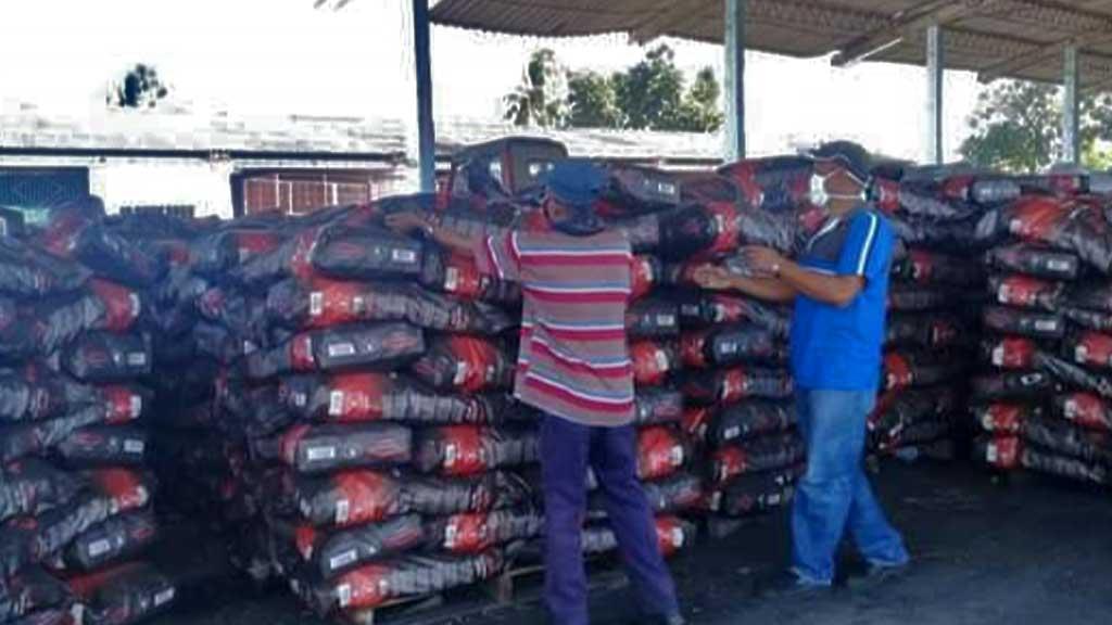 Minindustrias incrementan alimentos y renglones para la exportación desde Manzanillo