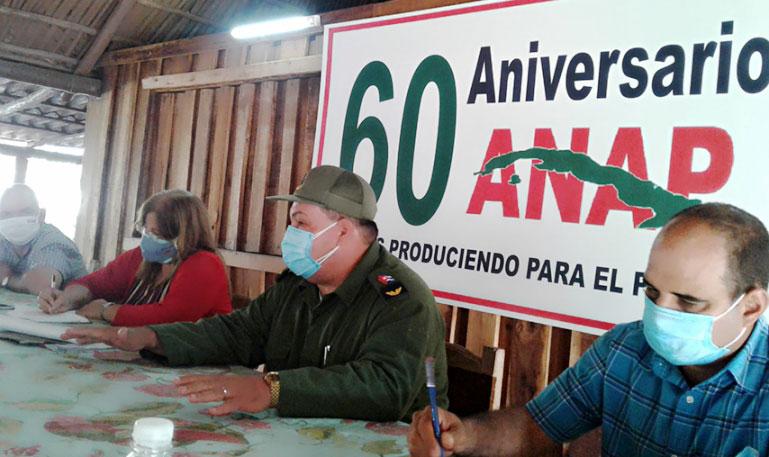 Cienfuegos entre la vanguardia en la emulación 60 Aniversario de la ANAP