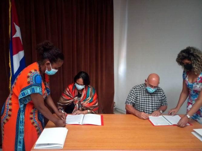 Firman Convenio Marco la Universidad de La Habana y el Micons