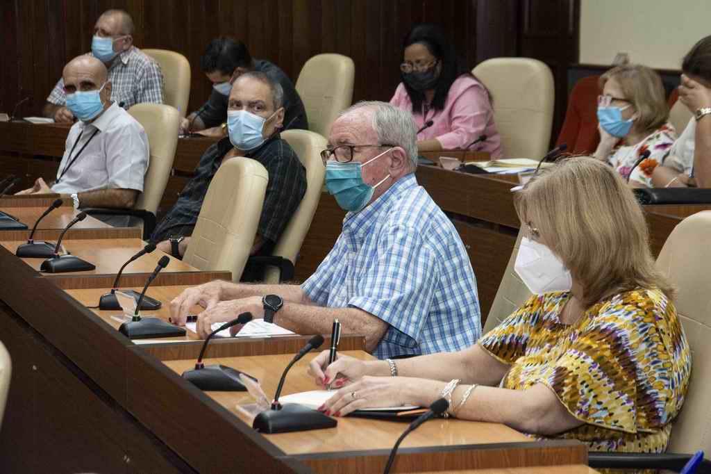 Cuba sigue enfrentando a la COVID-19, con ciencia (+Audio)