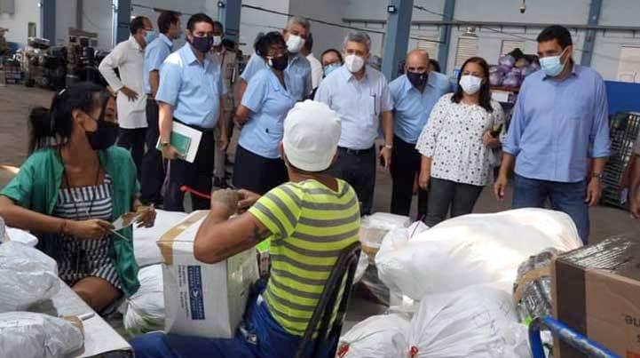 Priorizada atención del Gobierno cubano al servicio de paquetería internacional