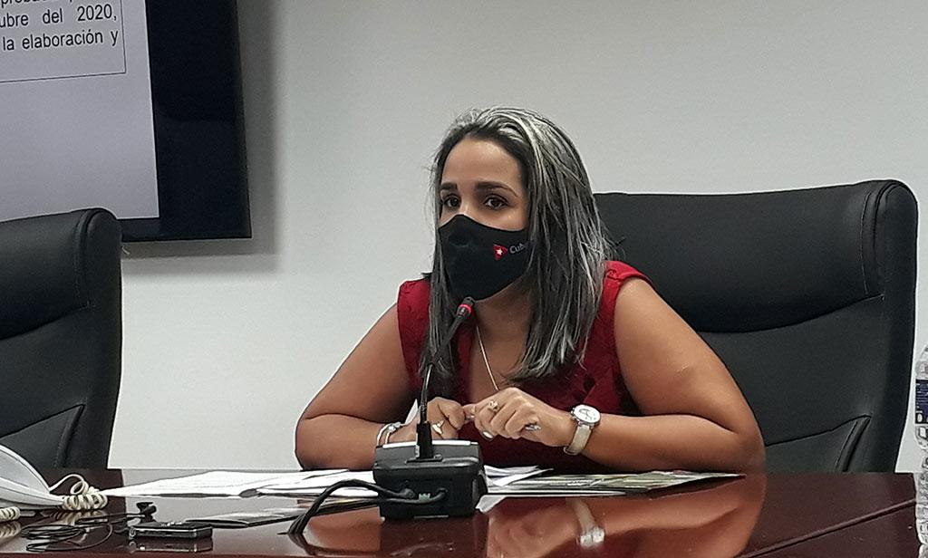 Mayra Cruz Legón, Jefa de Política Agraria.
