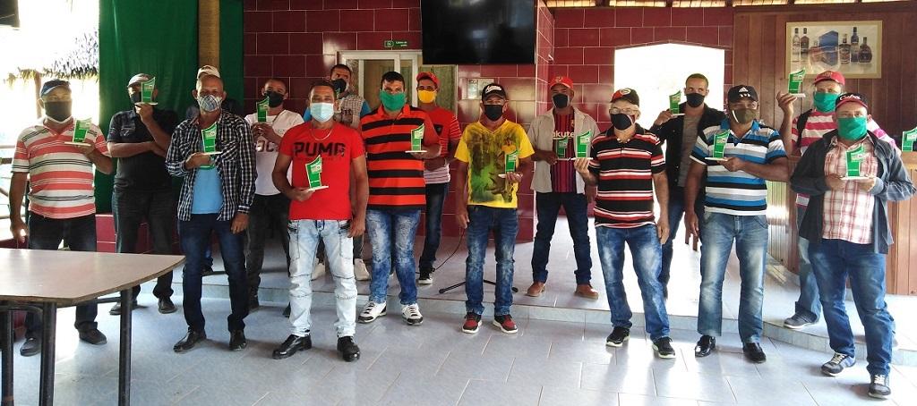 Reconocieron a operadores y colectivos millonarios de la zafra azucarera (+Audio)