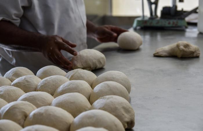 Persisten en La Habana insatisfacciones con la venta y calidad del pan