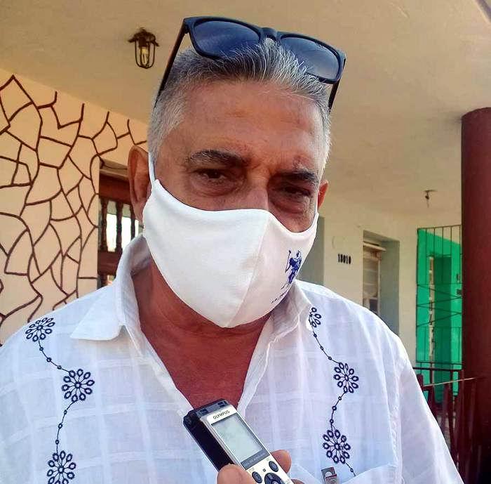 Antonio Reyes Segismundo, subdirector provincial de Servicios Gastronómicos en La Habana. Foto: Carlos Manuel Serpa