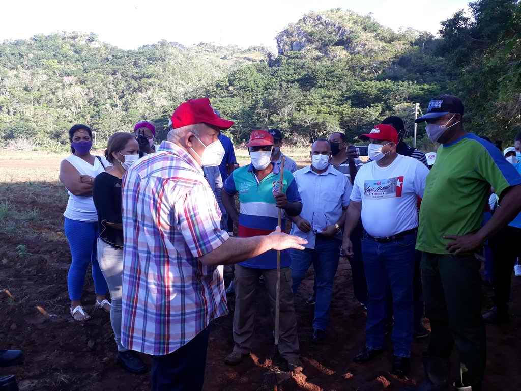 """Tapia Fonseca: """"Necesitamos que la Isla dependa de sus propios esfuerzos"""" (+Fotos)"""