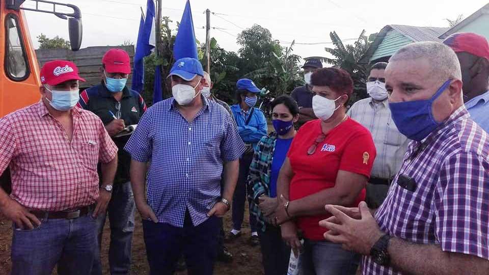 Visita Tapia Fonseca UEB del sector agropecuario en Pinar del Río