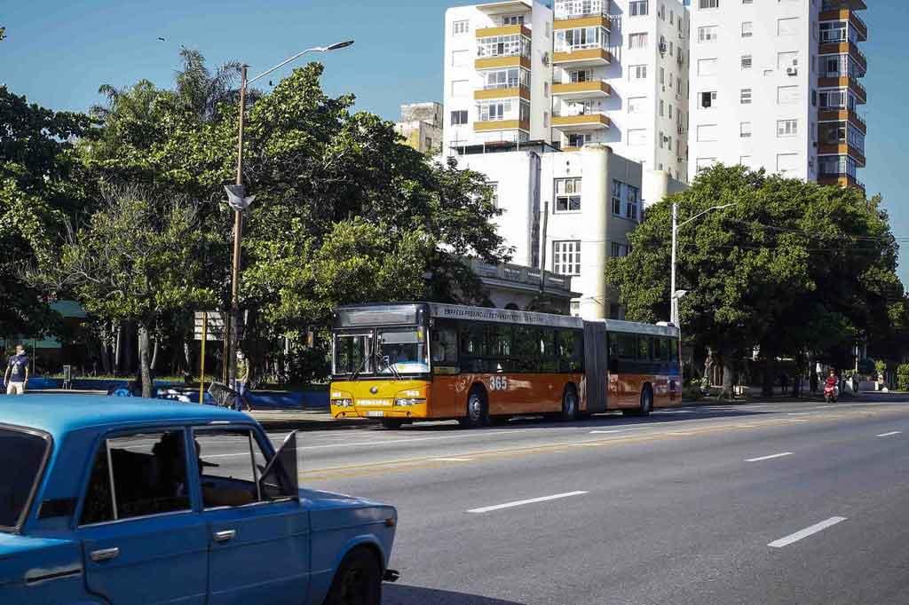 El transporte público circulará en La Habana hasta las nueve de la noche