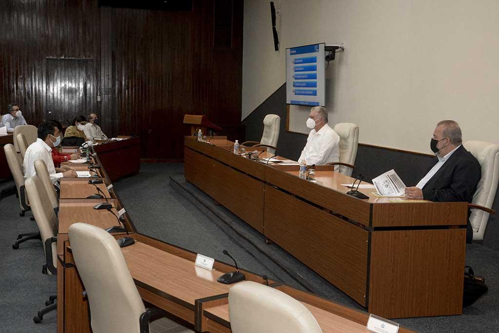 Cuba necesita avanzar en la informatización y modernización del transporte, asegura Díaz-Canel (+ Foto y Audio)