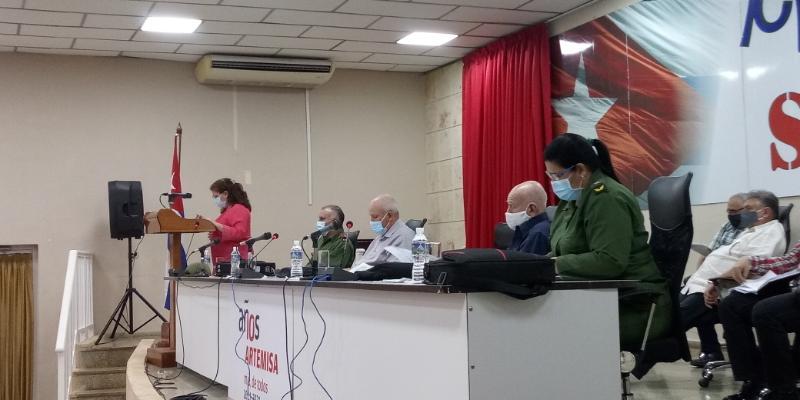 Intercambia Machado Ventura con productores agrícolas de Artemisa
