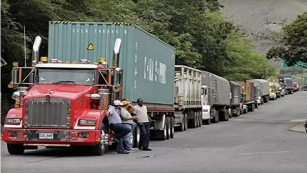 Truck drivers carry out strike in Colombia