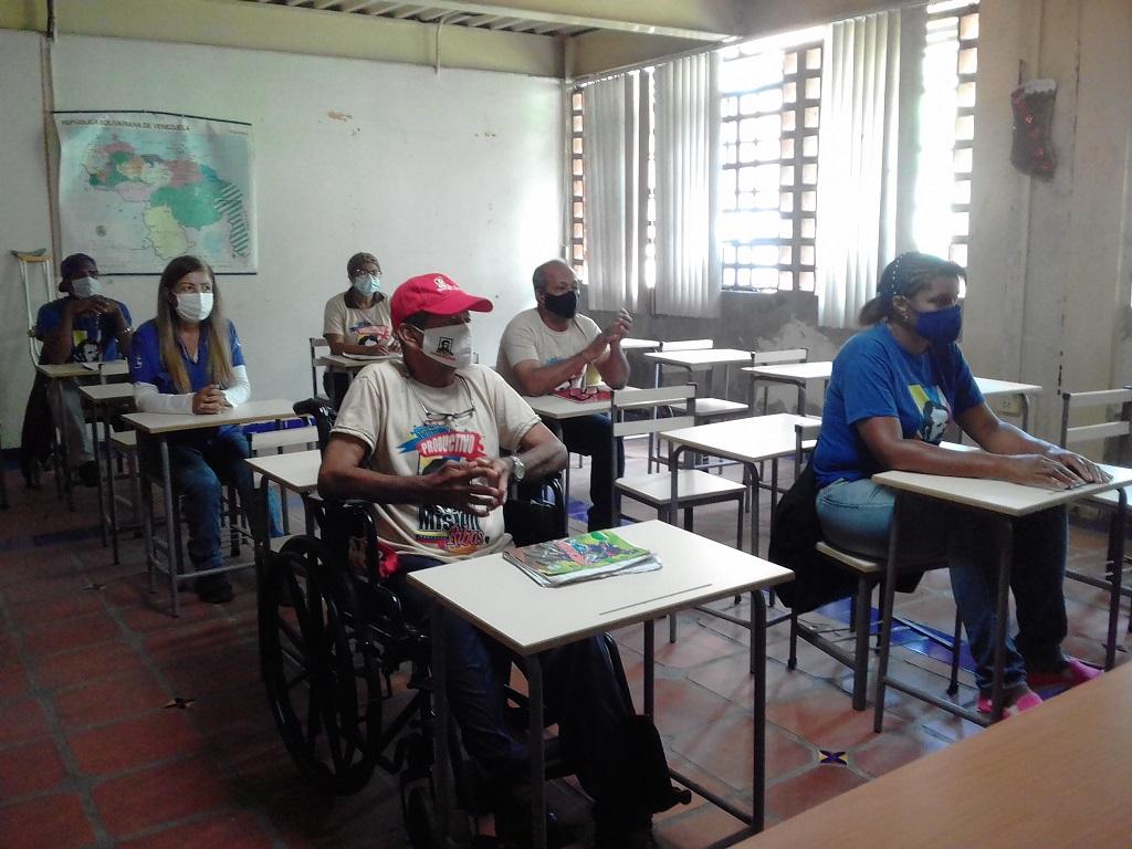 Con asesoría cubana, Venezuela se acerca a los 2 millones de alfabetizados
