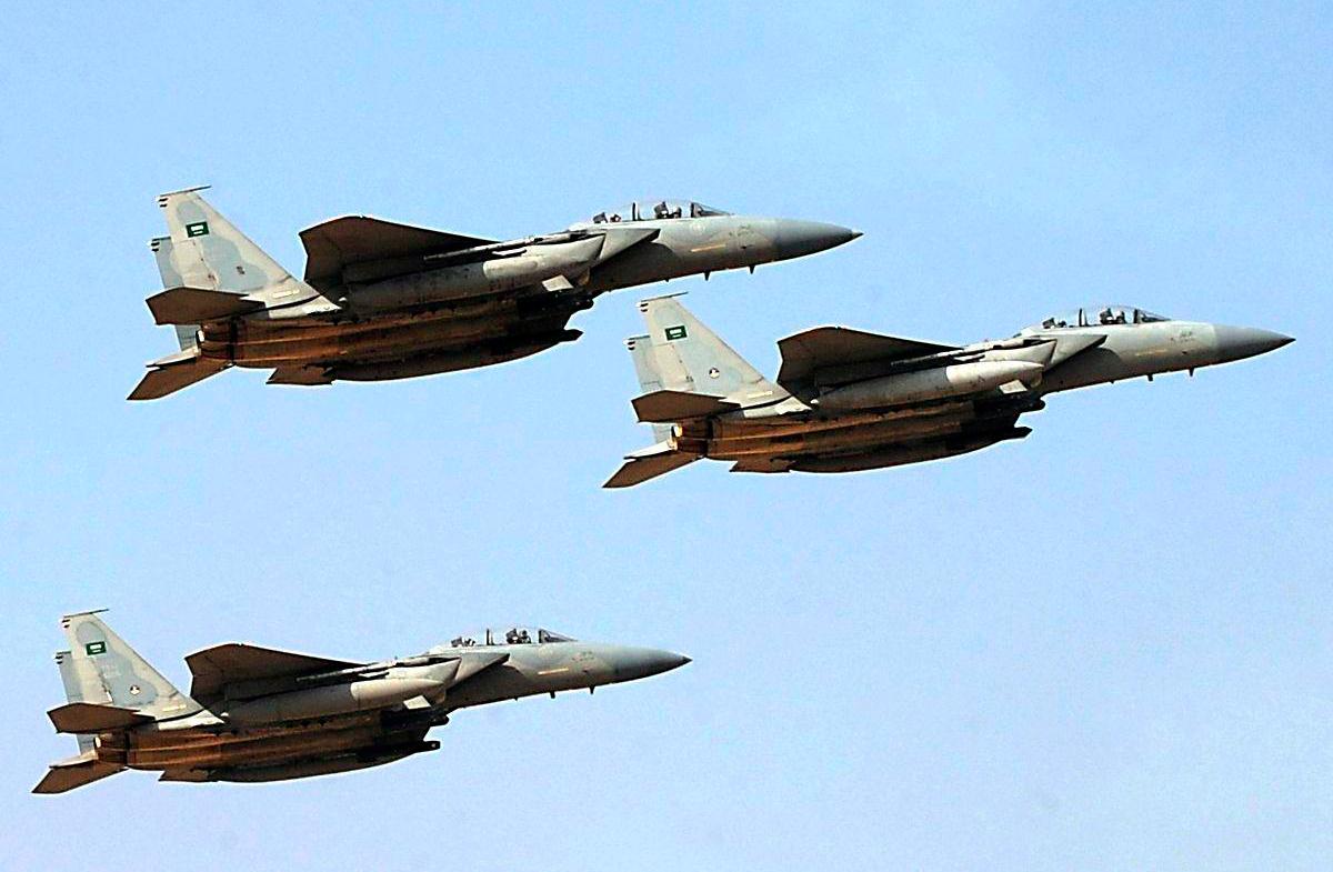 Saudi jets heavily bomb Yemeni capital, target pharmaceutical warehouses