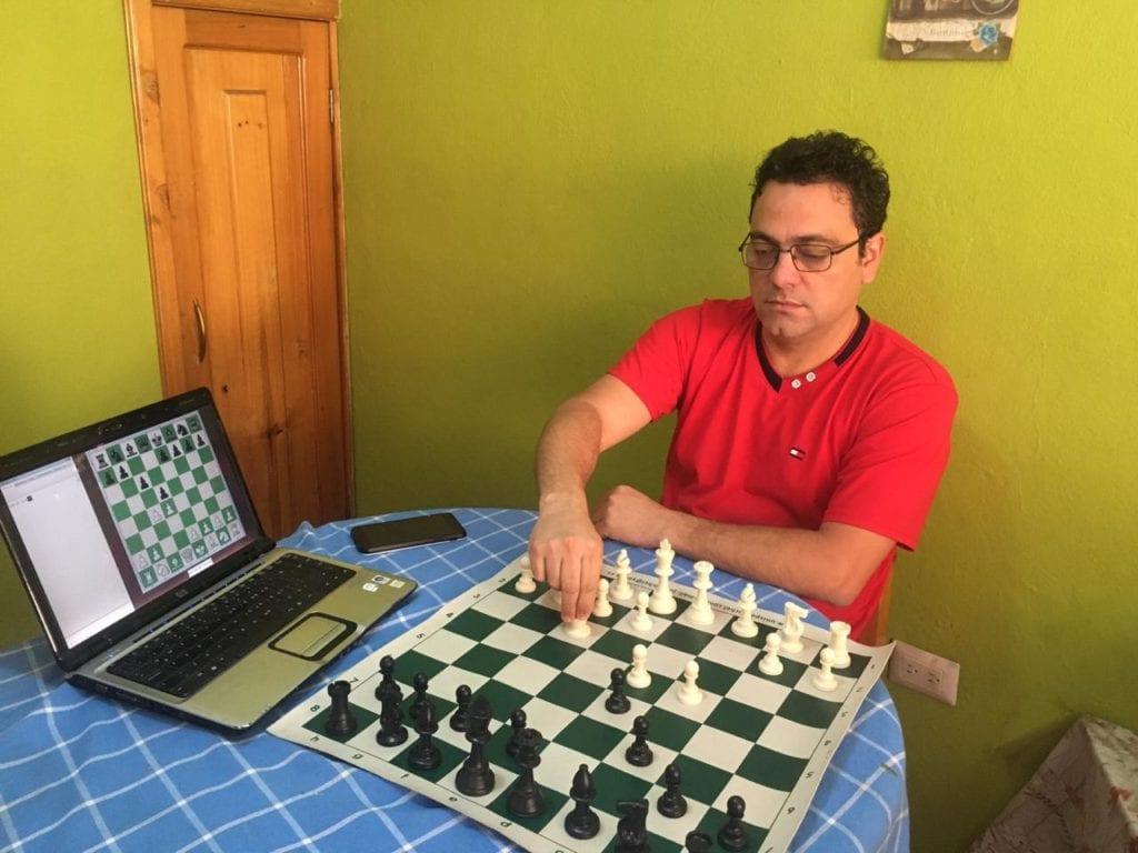 Desde Ecuador, jaque mate al bloqueo