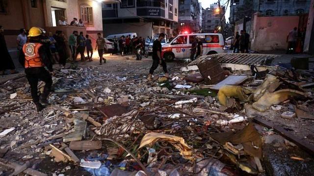 Mueren al menos 20 palestinos en bombardeos israelíes