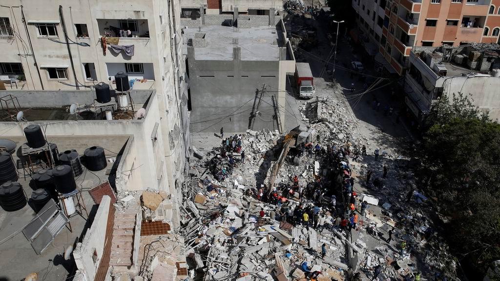 Intensos bombardeos en Gaza de la aviación israelí marcan la segunda semana