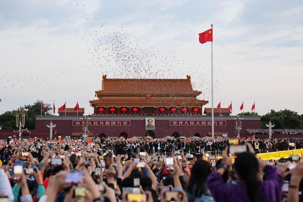 República Popular China celebra 72 aniversario de su fundación