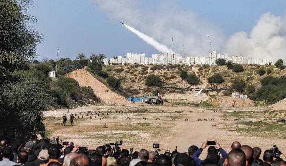 Israeli warplanes launch attacks on besieged Gaza Strip