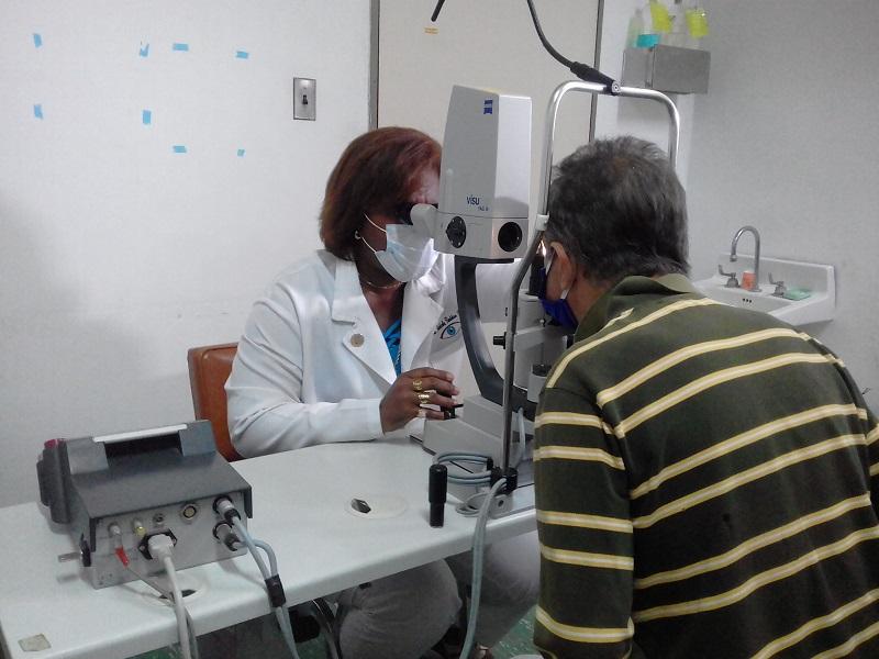 Cirugías de cataratas no se detienen en Venezuela