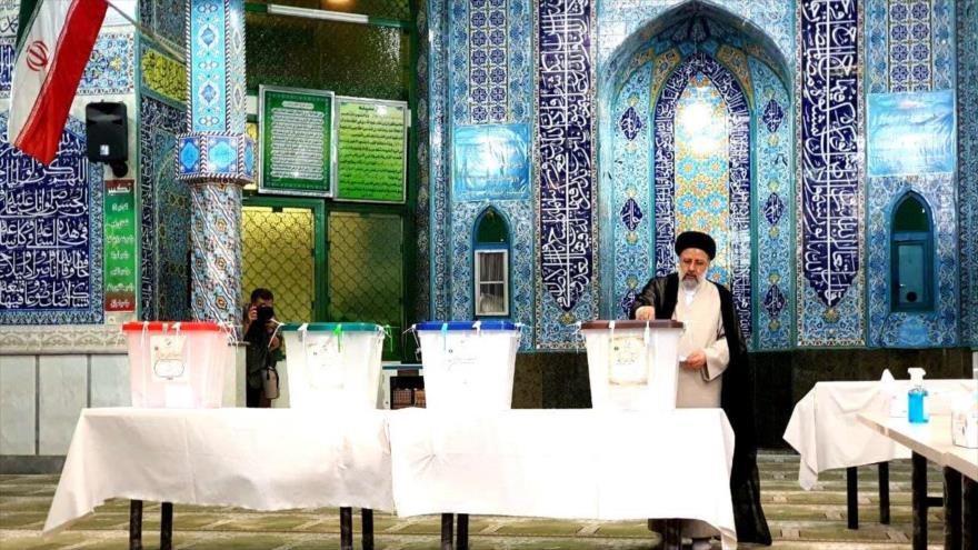 Abren colegio electoral en Irán