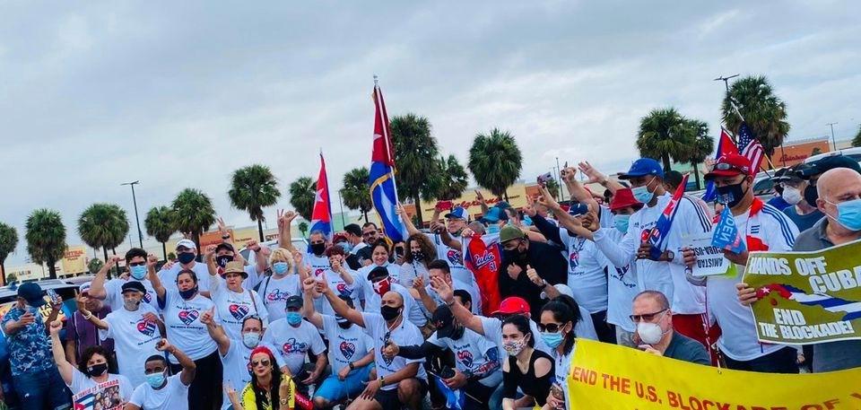 Caravanas en EE.UU y Canadá contra el bloqueo