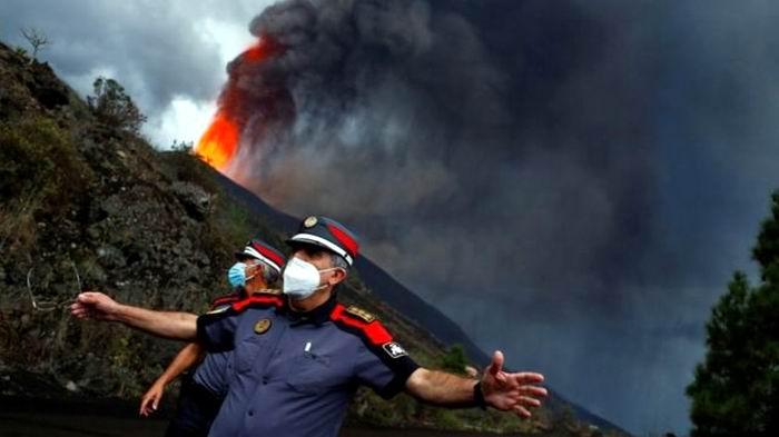 Nuevo giro en la erupción del volcán Cumbre Vieja (+Video)