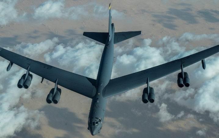 Bombarderos de Estados Unidos sobrevuelan el Medio Oriente